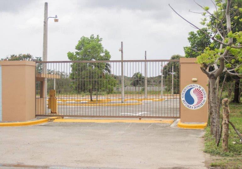 Abinader instruye entregar club a comunidad de SDO