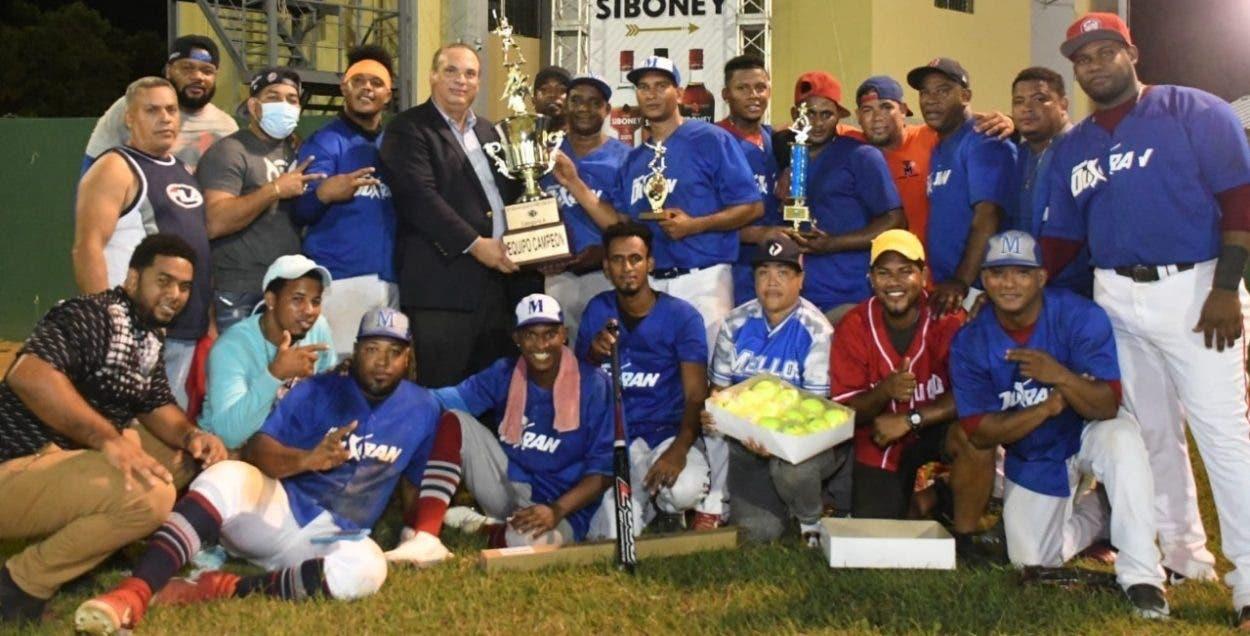 Equipos de Cristo Rey ganan Festival de Softbol del DN