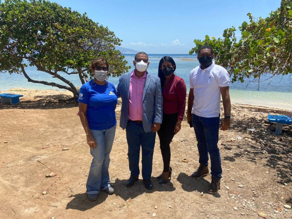 Turismo realiza levantamiento en playa Las Saladillas