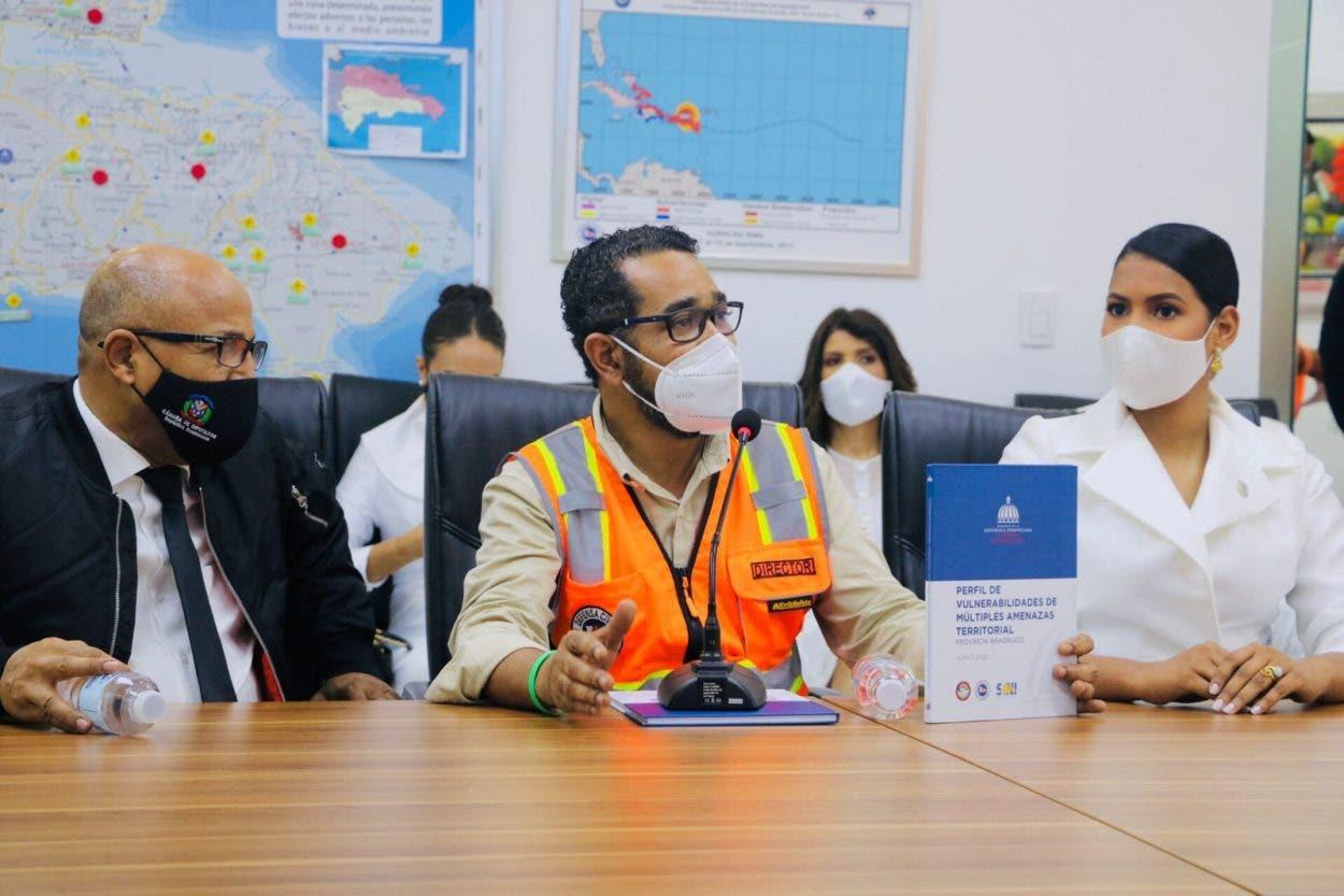 Diputados reconocen labor Defensa Civil