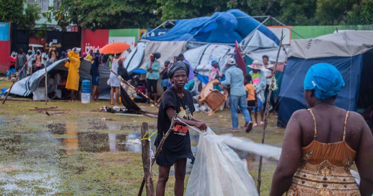 Haití: Casas de palo y lona sirven de refugio ante paso de Grace