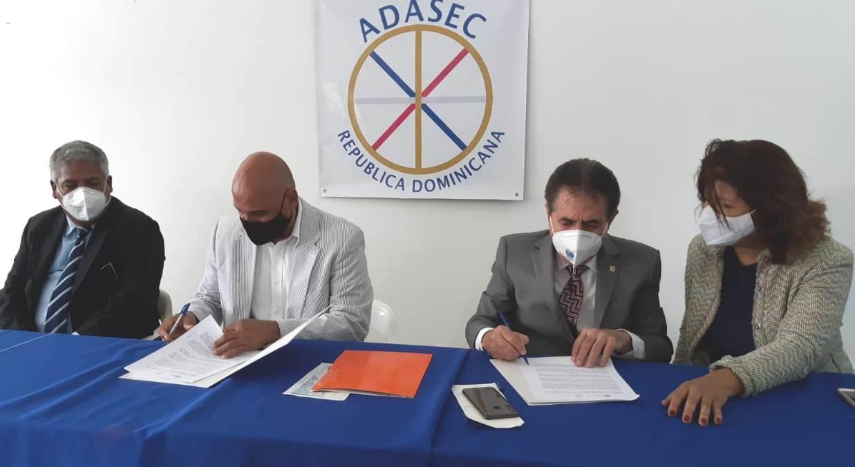 ADASEC y senador Peravia capacitarán para empleos y en valores