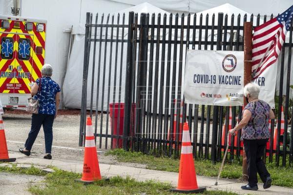 EEUU no volverá a los confinamientos pese a alza de contagios
