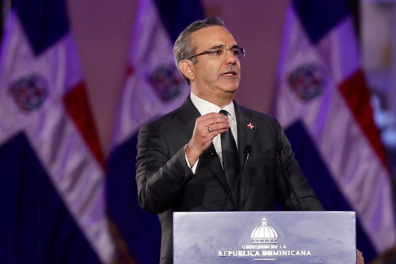 Abinader llama a liderazgo unirse para lograr reformas que necesita RD