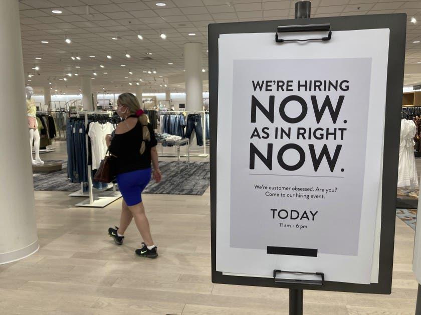 Economía de EEUU supera nivel prepandemia al crecer 6,5%