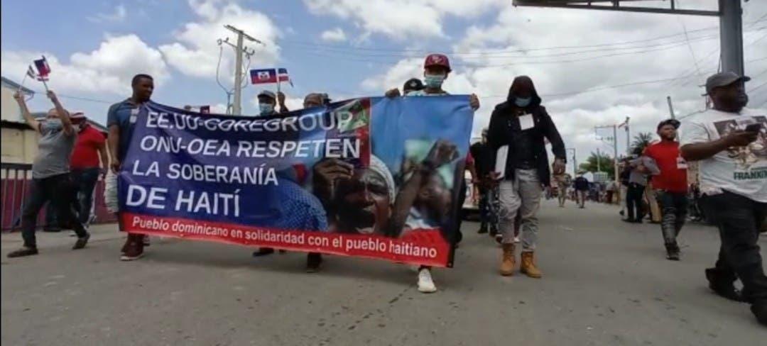 Marchan en Dajabón en solidaridad haitianos