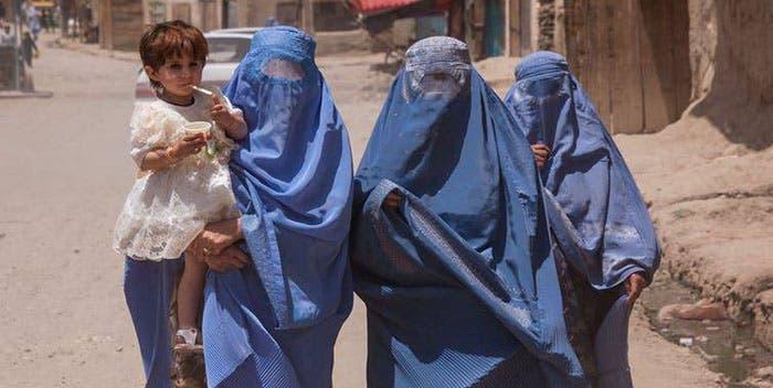 ONU dice a talibanes religión no justifica violar derechos de mujeres