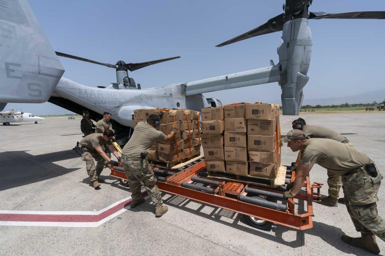EEUU lleva carpas y comida al maltrecho sur de Haití