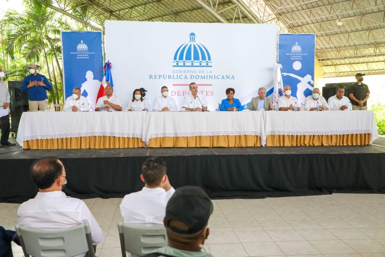 Abinader anuncia escuela para niños especiales en SDO