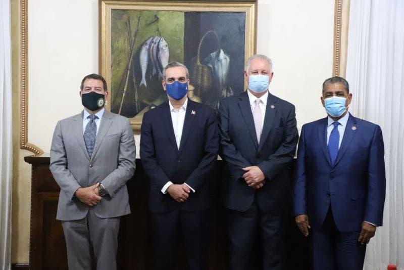 Congresistas EU resaltan combate corrupción de RD