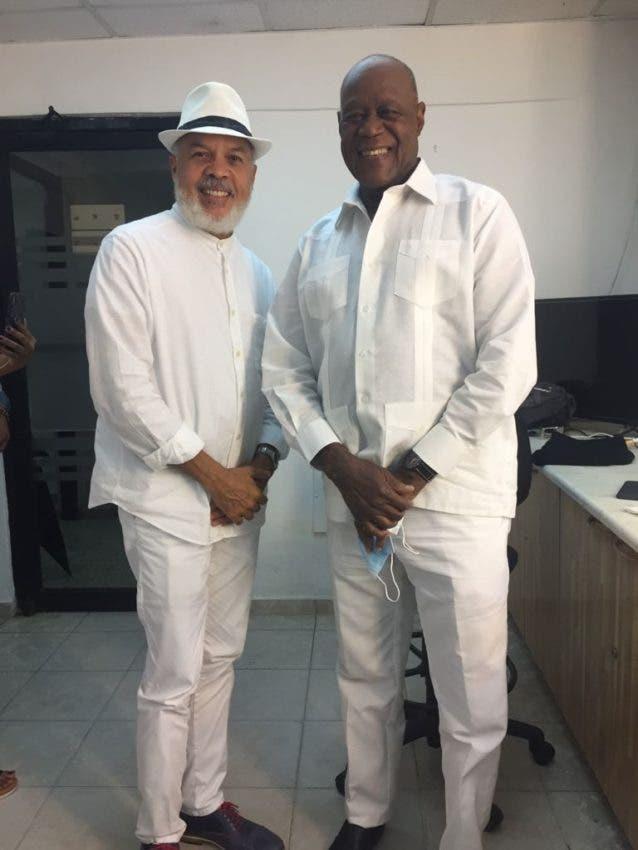Enrique Féliz lanza merengue con Johnny