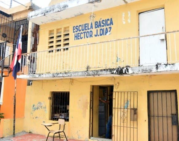 Siguen denuncias mal estado escuelas
