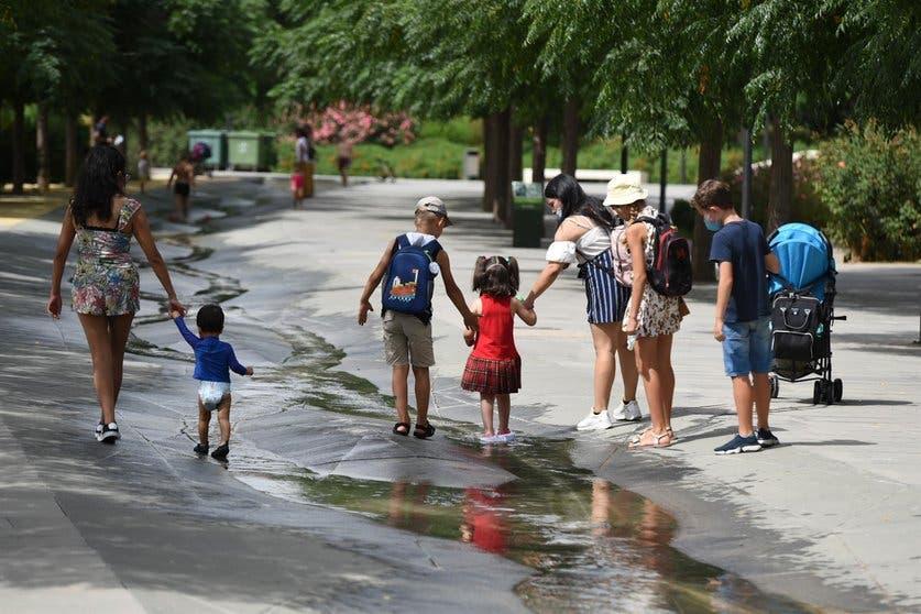 Niños de hoy vivirán siete veces más olas de calor que sus abuelos