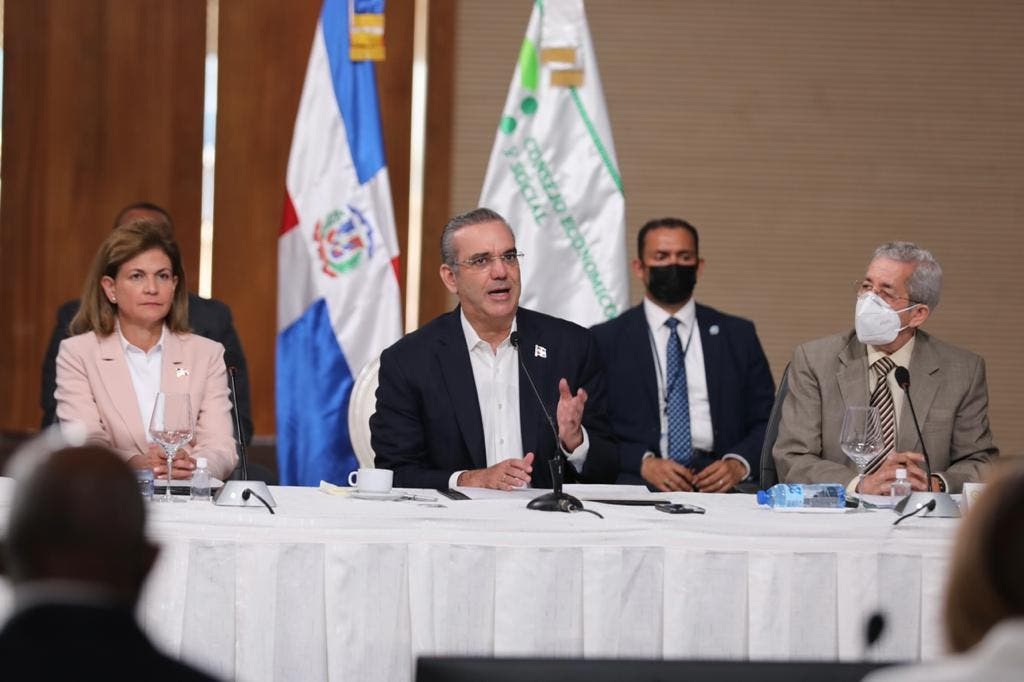 En la segunda jornada del Diálogo Nacional el presidente Luis Abinader propuso varios puntos para la reforma de la Constitución, entre ellos eliminar la membresía del Procurador en el CNM