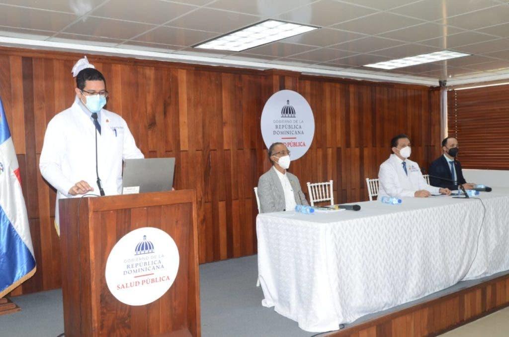 Las autoridades de Salud en ruede de prensa donde confirmaron la presencia en el país de la variante Delta del covid.