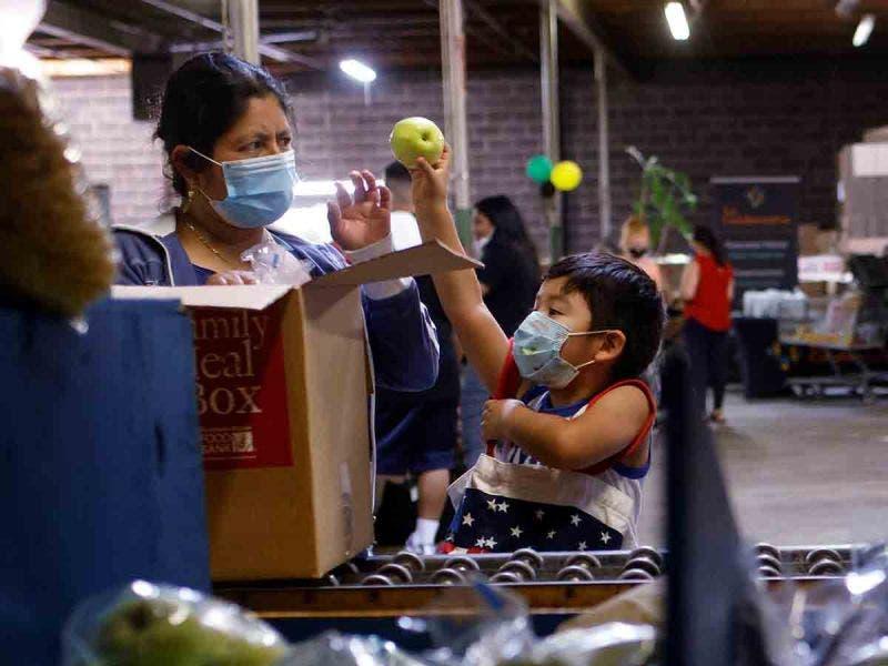 EEUU: Programas ayuda por COVID combatieron pobreza