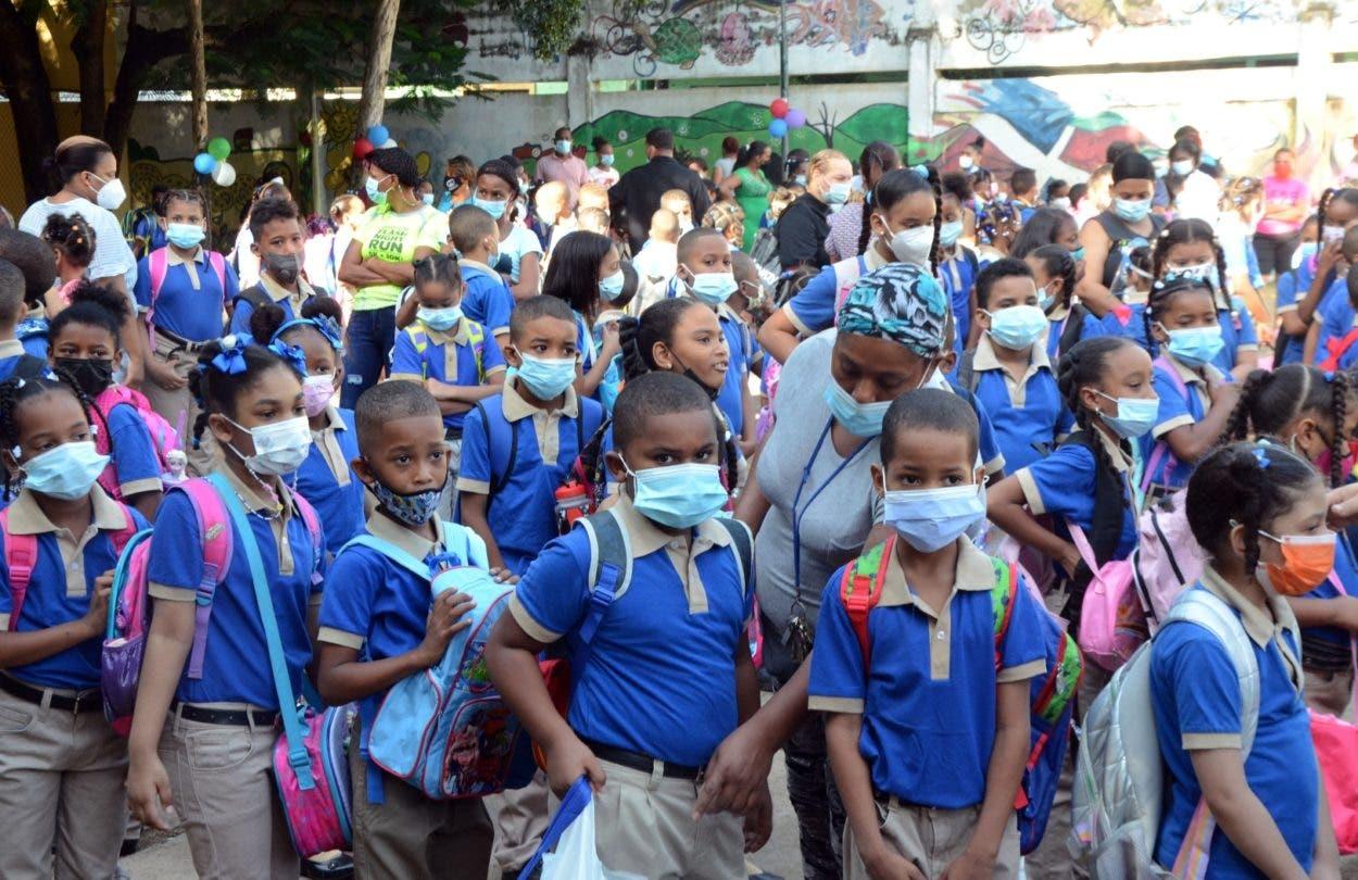 Masiva asistencia a escuelas en inicio docencia