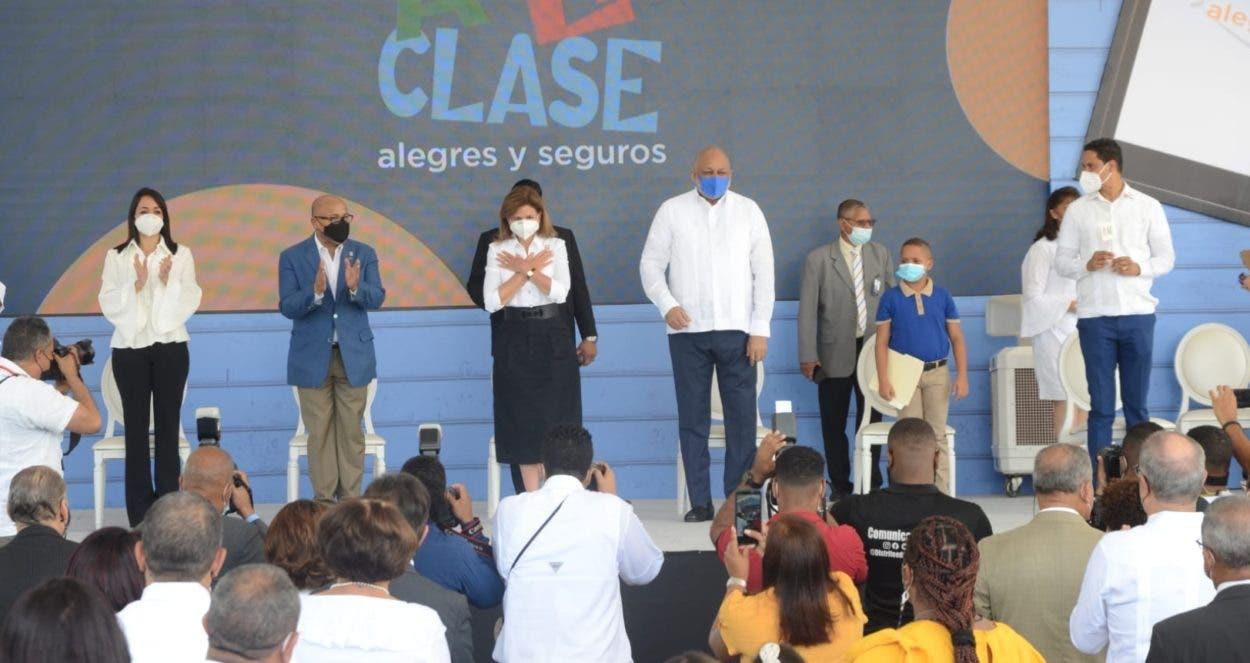 Vice encabeza acto oficial inicio año escolar