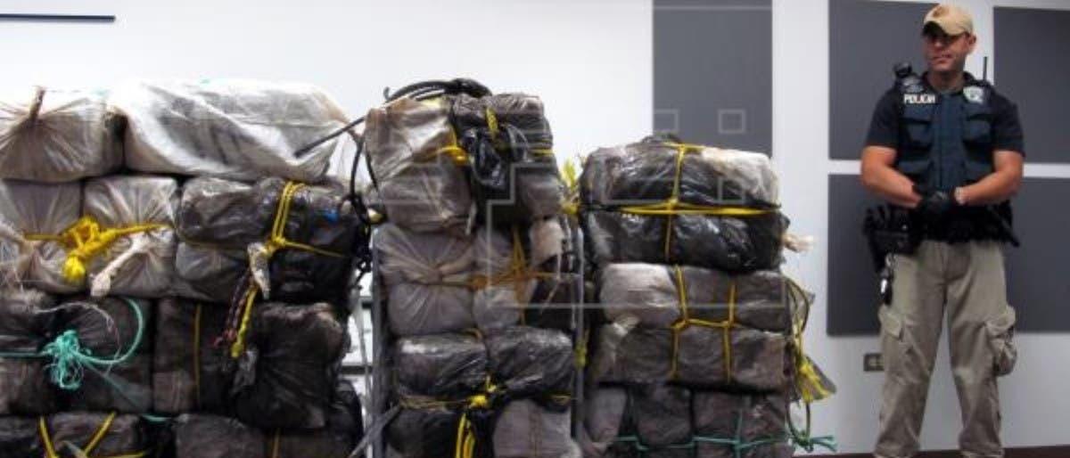 Incautan 464 kilos cocaína en ferry con ruta SD-PR