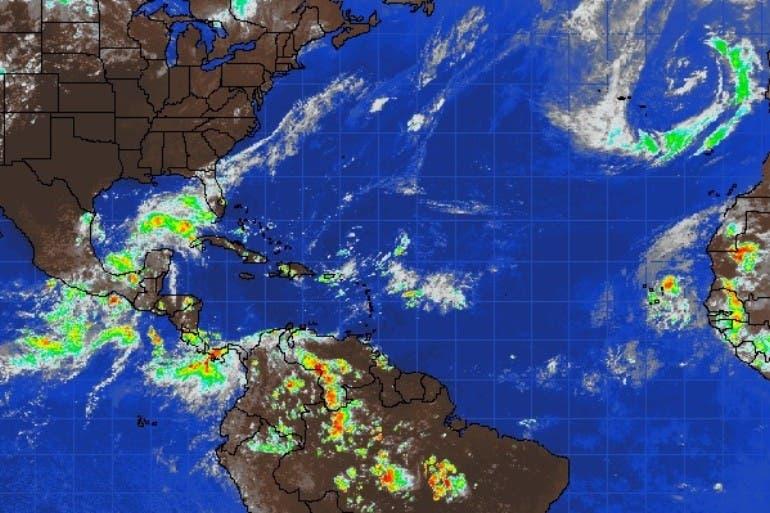 Trece provincias en alerta verde por tormenta