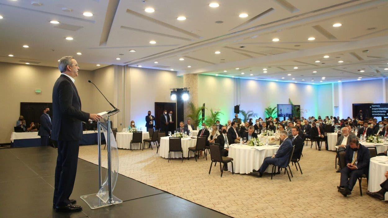 Abinader define RD como excelente para la  inversión foránea