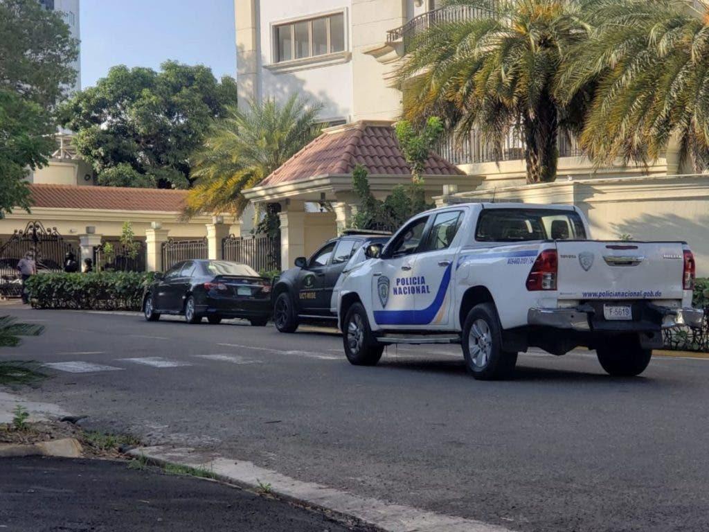 En la Operación Falcón realizada este miércoles por la Dirección General de Persecución del Ministerio Público, fue detenido el director de Comunidad Digna, Juan Maldonado Castro y otras cinco personas.