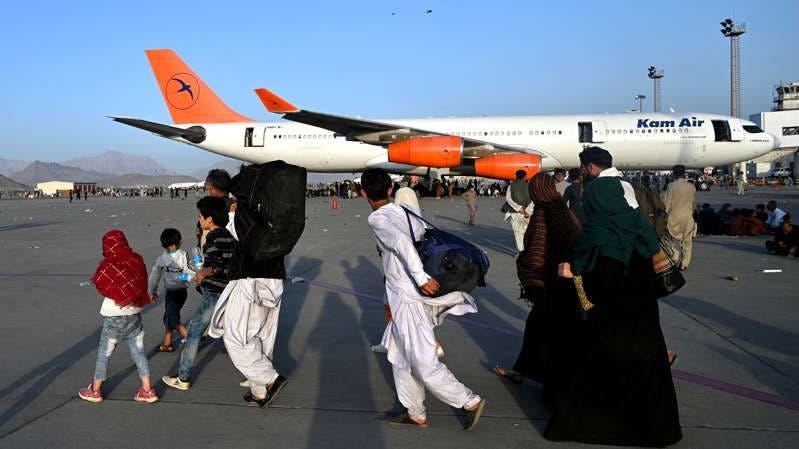 Aeropuerto de Kabul reanuda los vuelos nacionales