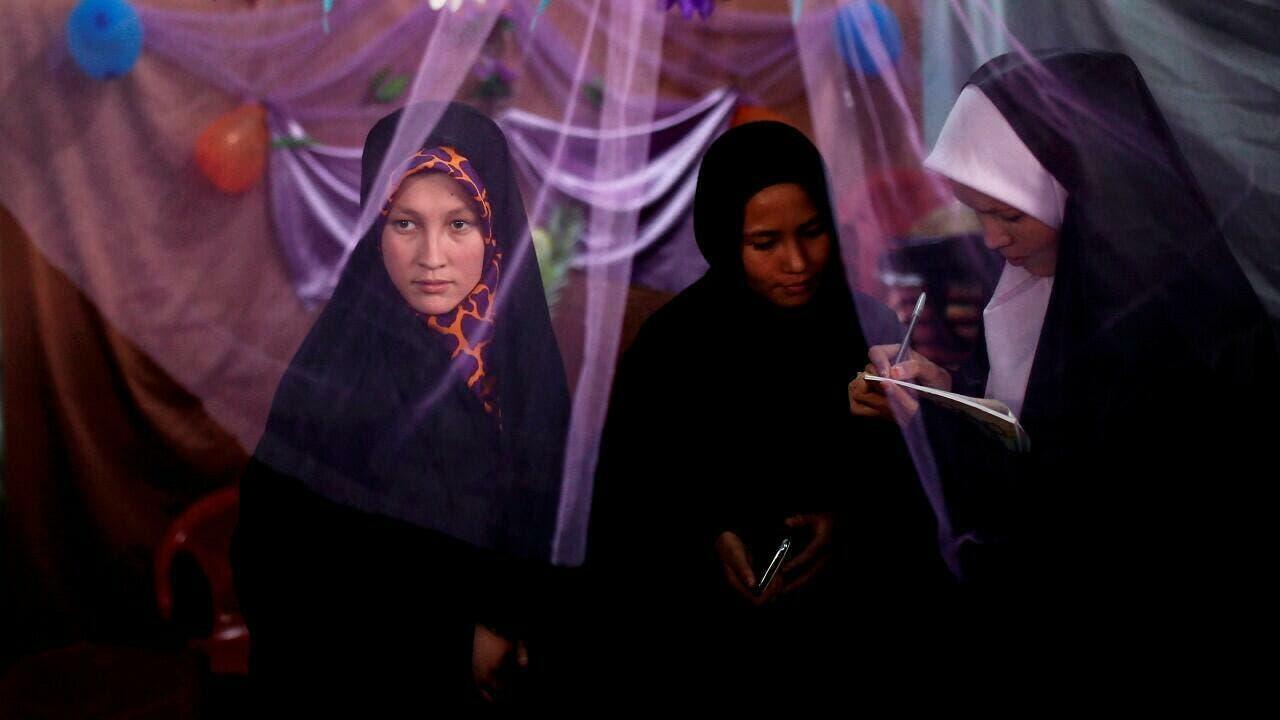 Talibán cambia ministerio de mujeres por uno contra ellas