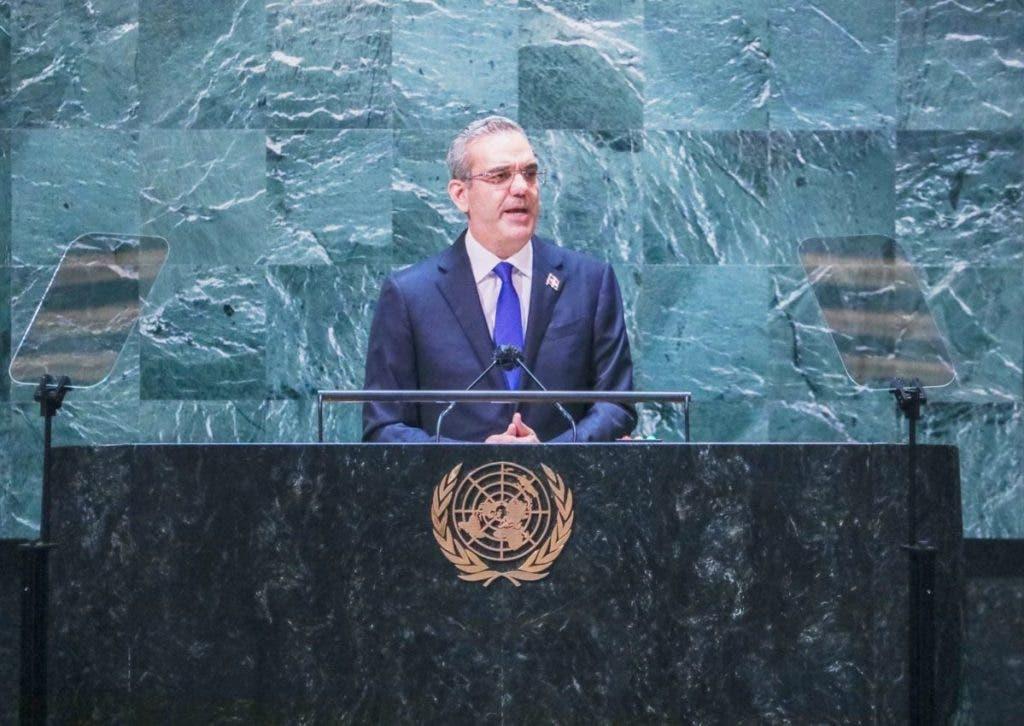 """Durante su discurso en la Asamblea General de la ONU, Abinader expresó """"la necesidad de que la comunidad internacional asuma con urgencia y de una vez y por todas, la crisis de Haití."""