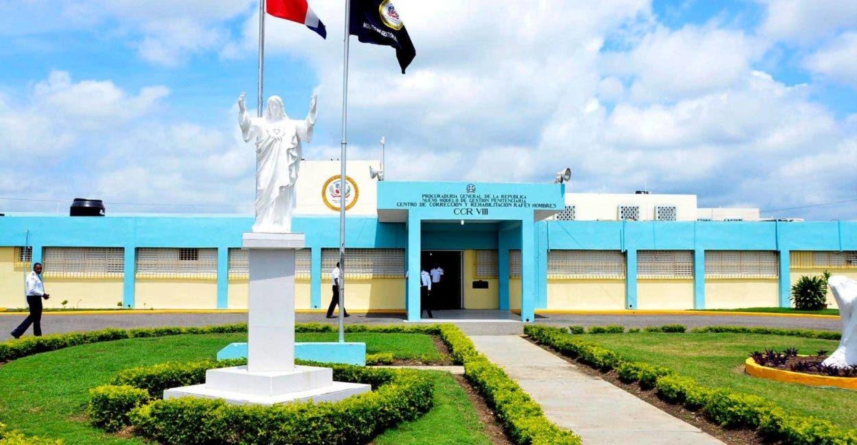 Pleito cárcel Rafey de Santiago deja tres heridos