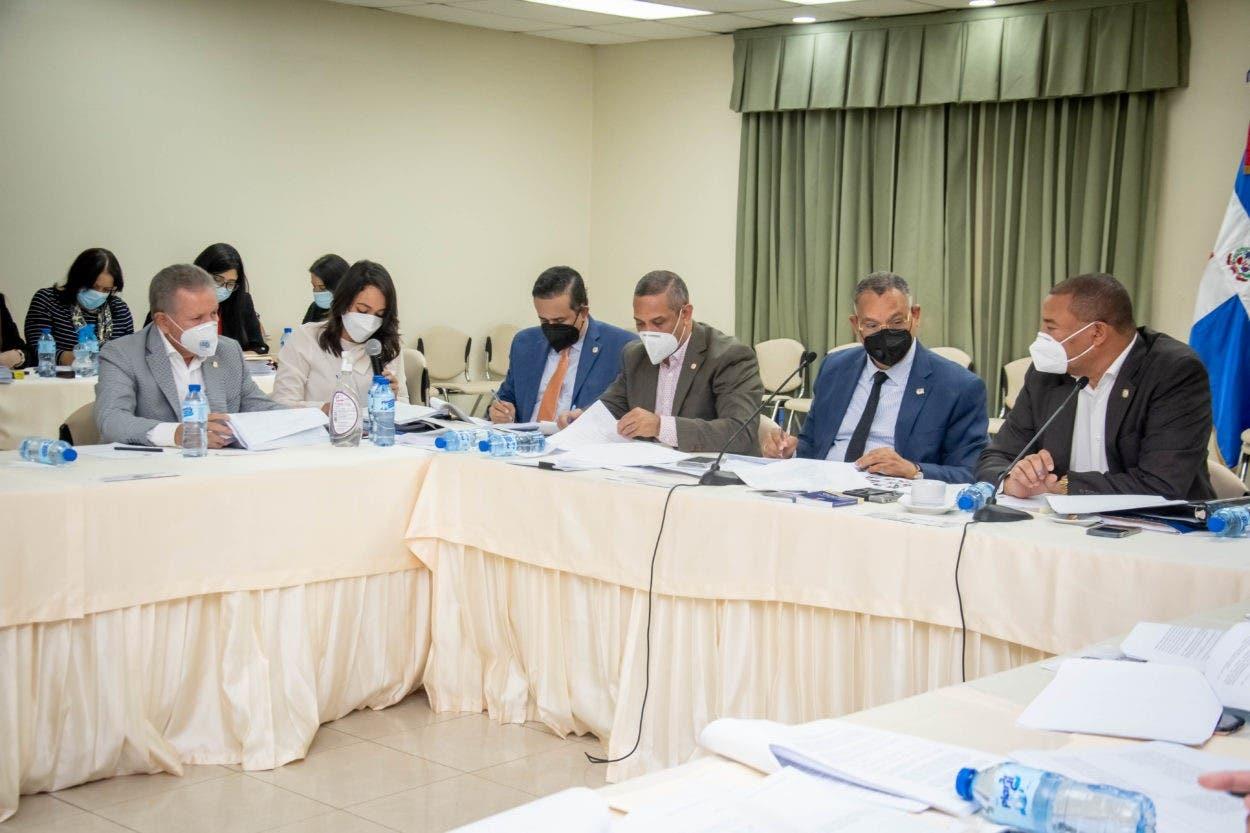 Comisión agiliza estudio del Código Penal