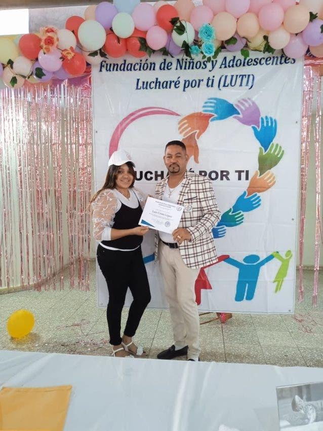 Fundación Lucharé Por Ti ayuda niños y adolescentes de CR