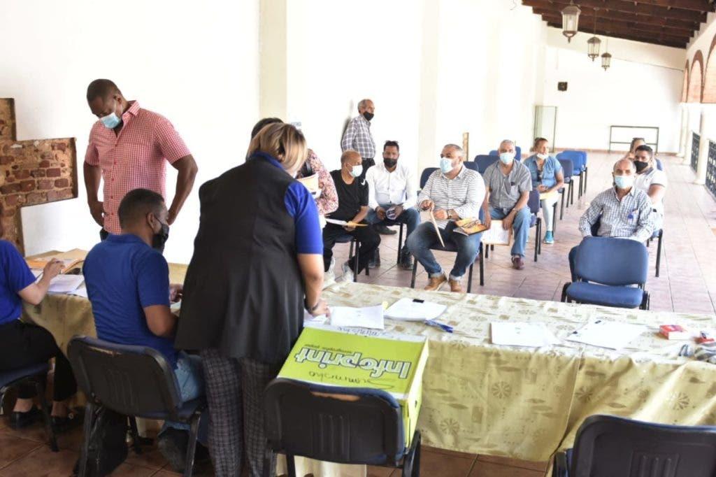 INAPA y CODIA reciben documentos para sorteo de 23 obras