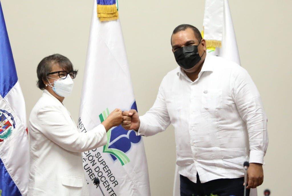 CNE y ISFODOSU firmaron acuerdo de colaboración interinstitucional para formar los futuros educadores sobre ahorro y uso de energía renovable