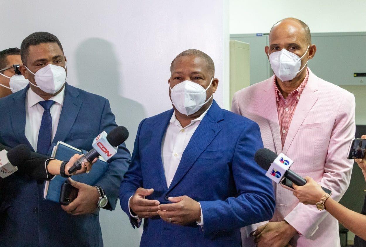 Inposdom entrega a Defensoría del Pueblo listado de cancelados