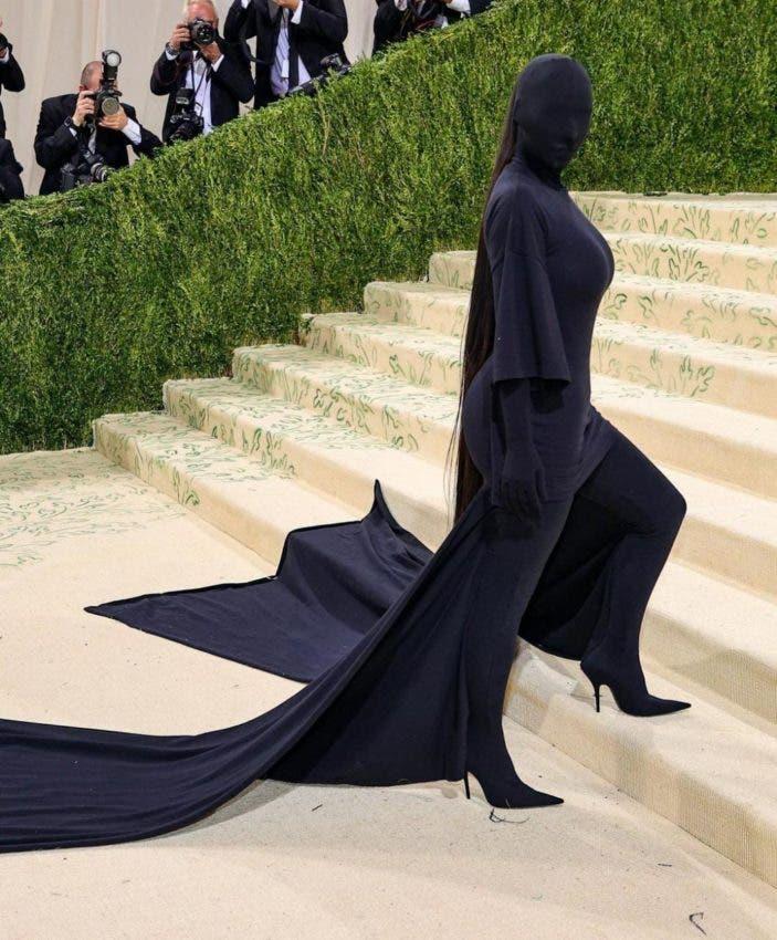 Look de Kim Kardashian en la Met Gala protagoniza memes