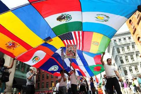 Latinos muy subrepresentados en medios de EEUU