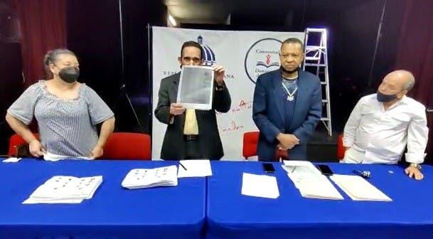 Notario Público NY valida elecciones filial CDP