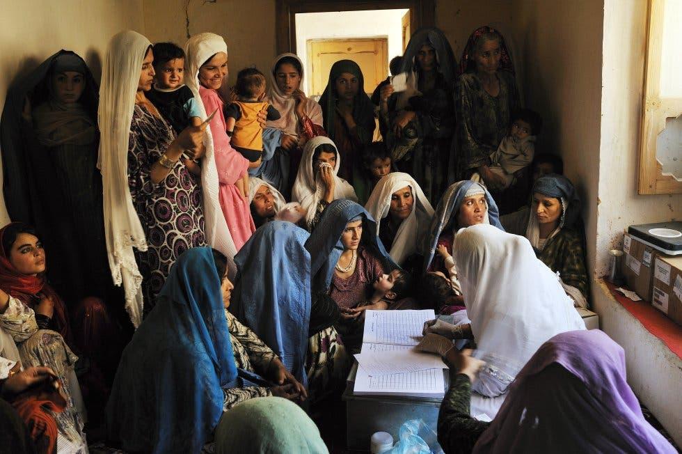 ONU denuncia ataques a la mujer y pone en duda promesas de talibanes