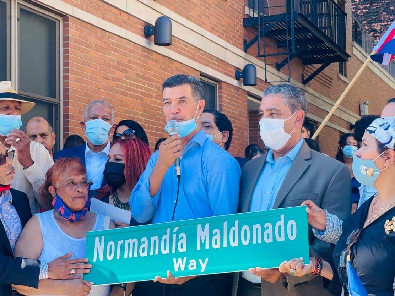 Nombran calle Alto Manhattan honor  Normandía Maldonado