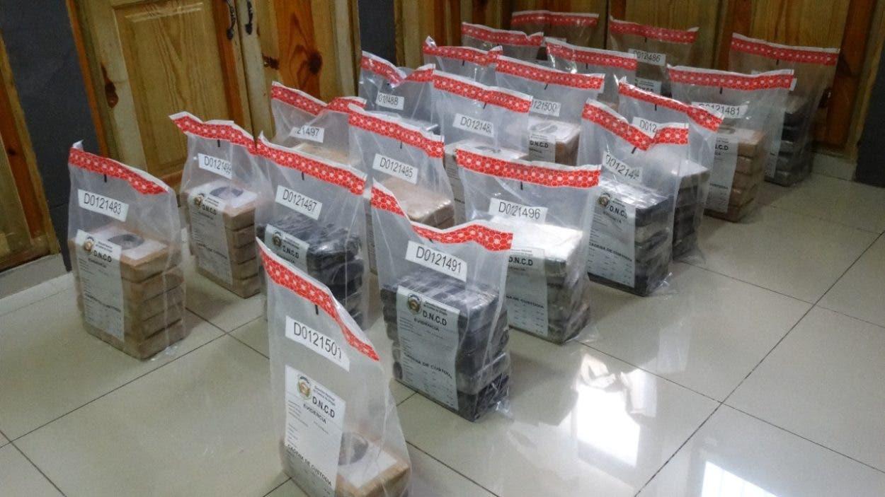 DNCD incauta 97 paquetes de cocaína en Barahona