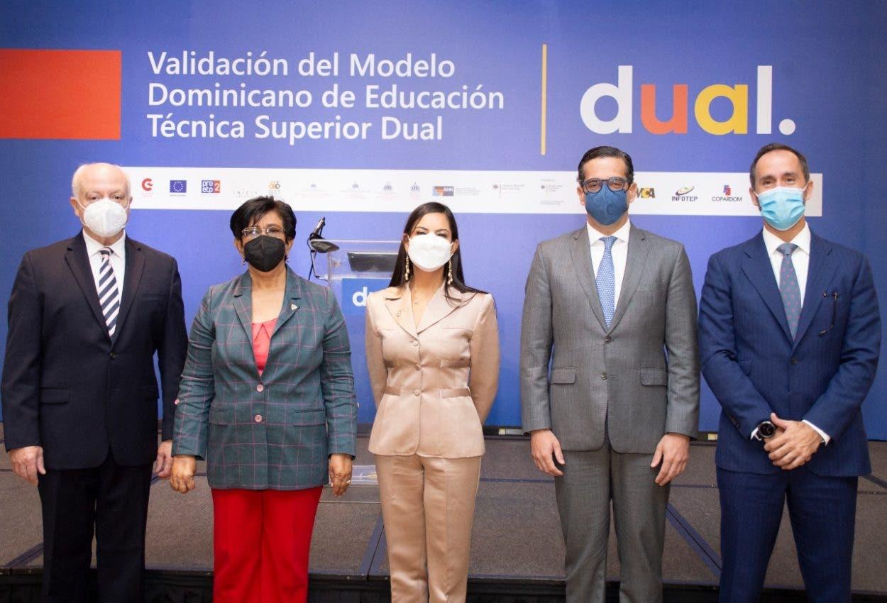 Dan pasos para modelo dual de Educación Técnico Superior en RD