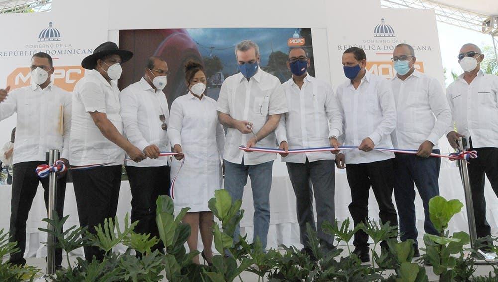 Inauguran obras infraestructura vial en Dajabón y Montecristi