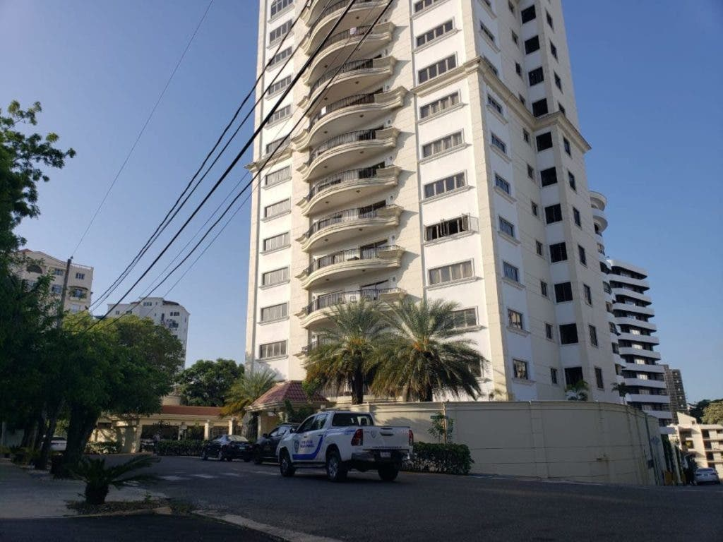 Las autoridades del Ministerio Público aún no han dado detalles sobre los allanamientos realizados en varios lugares de Santiago.
