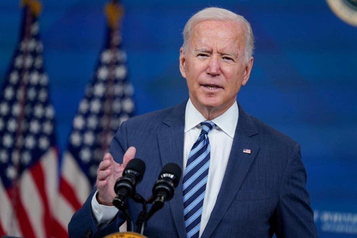 Biden promueve inversiones en energía limpia