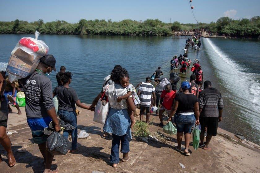 Haitianos regresan a una patria lejos de ser acogedora