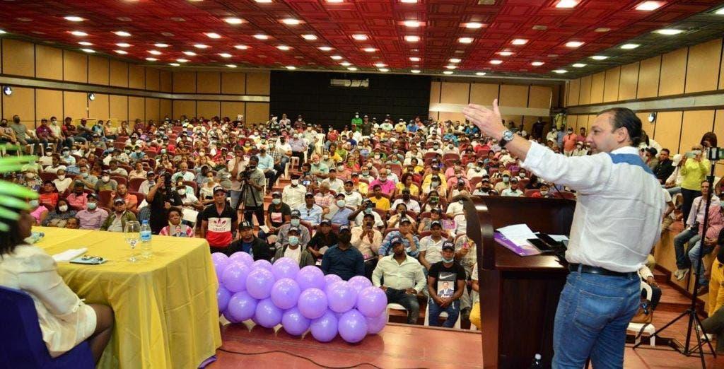 Abel llama a dominicanos a apostar al proceso de renovación del PLD