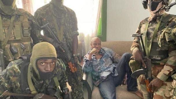 Militares dan golpe de estado al presidente de Guinea-Conakri