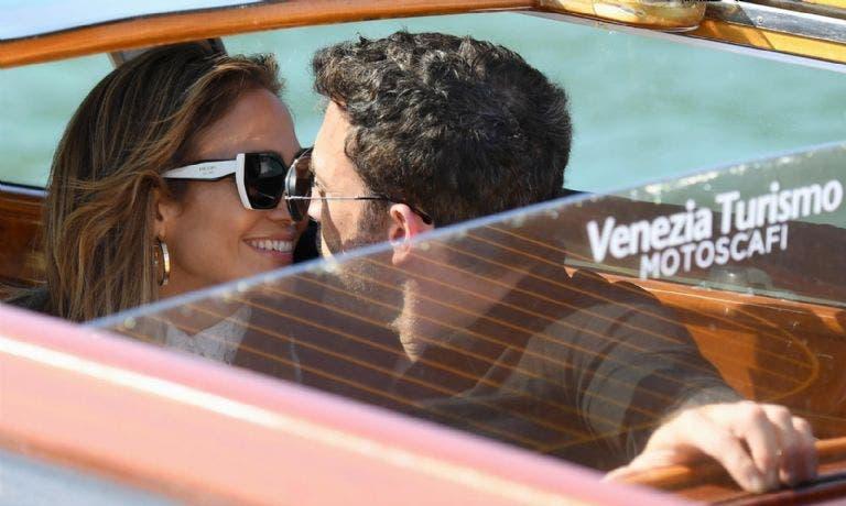 Jennifer López y Ben Affleck llegan juntos al Festival de cine de Venecia