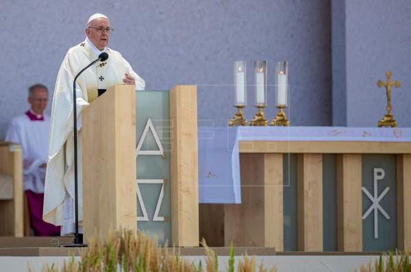 El papa invita a ser solidarios con los necesitados
